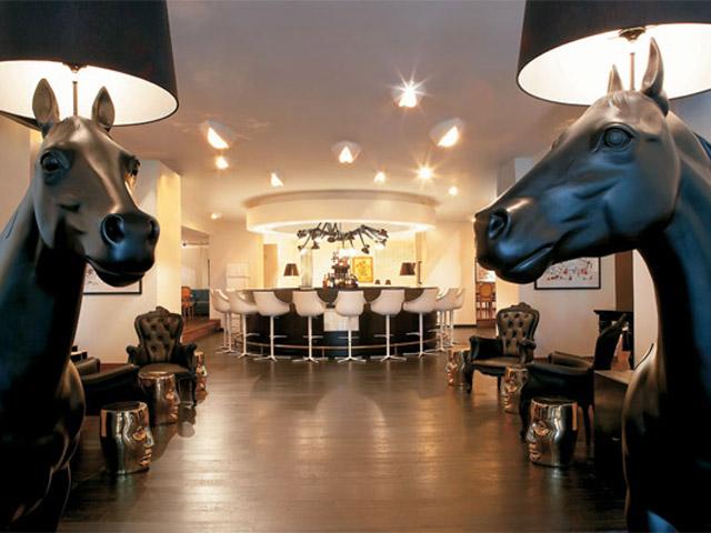 King George Palace: T Palace Lounge Bar