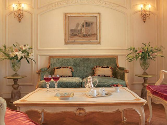 Acropolis Deluxe Guestroomd Living Room
