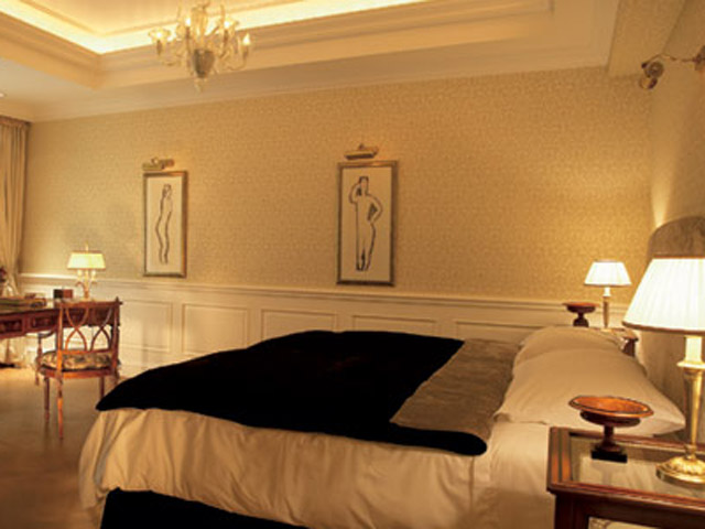 Premier Guestroom Bedroom