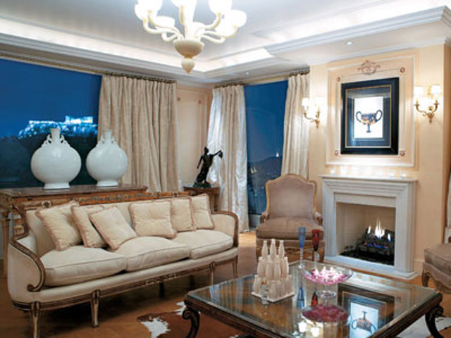 King George Palace: Royal Pethouse Suite Living Room