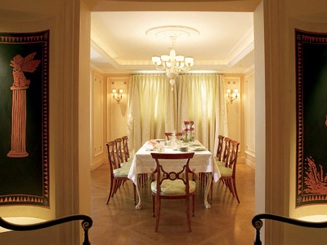 Royal Pethouse Suite Dining Area