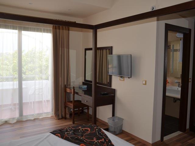 Ladiko Hotel: