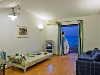 SunPrime Miramare Beach: Living room of suite