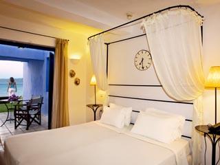 SunPrime Miramare Beach: Bedroom of waterfront Suite