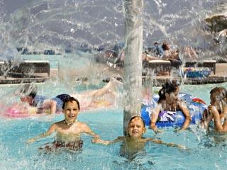 SunPrime Miramare Beach: Children in the Pool