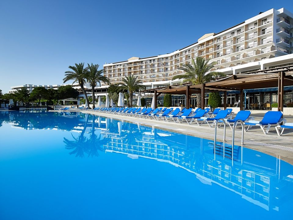 Amilia Mare Beach resort -