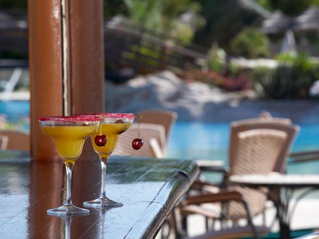 Atlantica Imperial Resort: Pool Restaurant