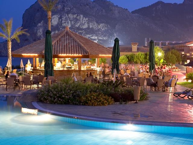 Atlantica Imperial Resort: Pool Night View