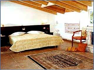King Iniohos Hotel - Image2