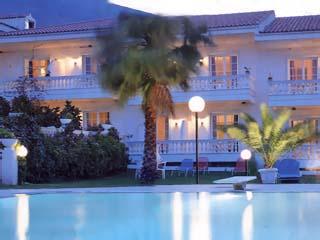 Olympia Villa - Swimming Pool