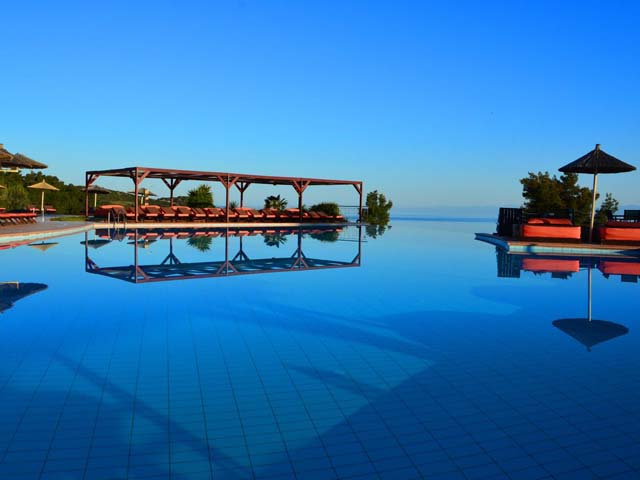 Special Offer for Alia Palace Luxury Hotel and Villas - Sales up to 45% Reduction !!