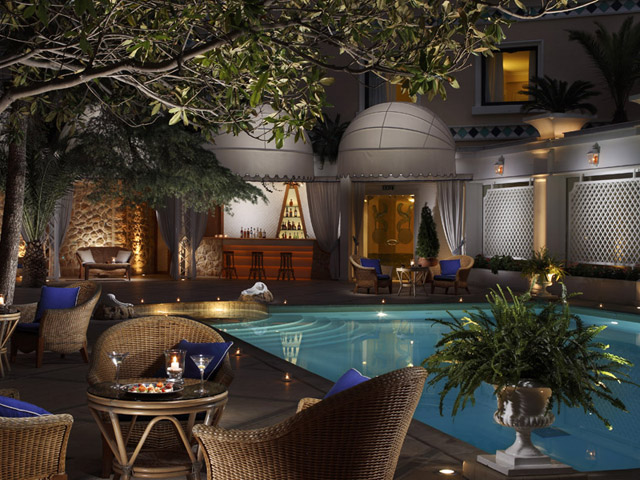 Royal Olympic Hotel: Bar