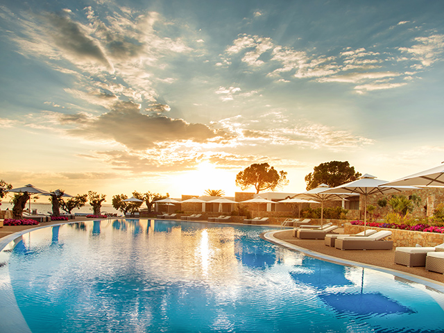 Special Offer for Ikos Olivia - Book Early for 2019 and save up to 35%! 25.04.19 - 25.05.19 !!