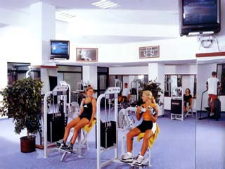Adams Beach Hotel: Gym