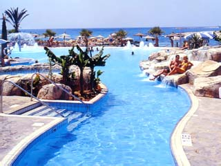 Adams Beach Hotel: Swimming Pool