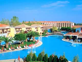 Atlantica Aeneas Hotel: Swimming Pool