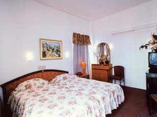 Philippion Hotel: Room