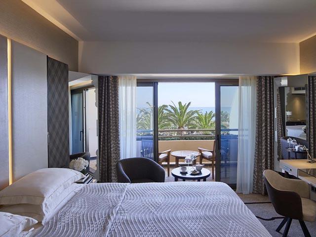 Four Seasons Hotel: