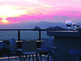 Hawthorn Karaca Resort: Sunset Pool Bar
