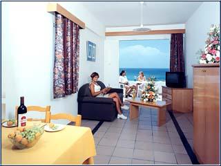 Corallia Beach Hotel Apartments: Image9