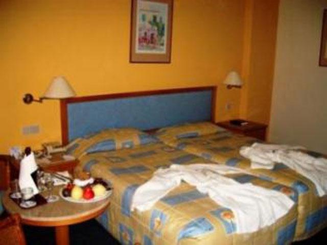 Venus Beach Hotel: Room