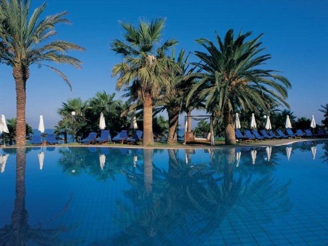 Azia Resort & Spa: Pool Area
