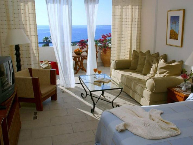 Azia Resort & Spa: Living Room And Bedroom