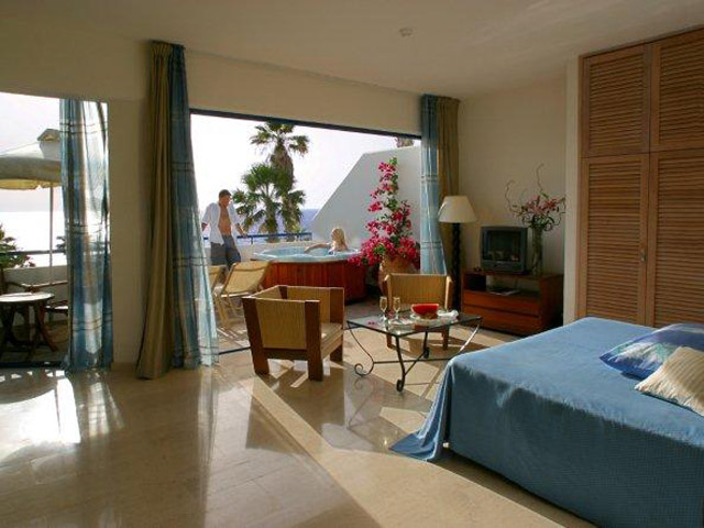 Azia Resort & Spa: Jacuzzi