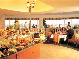 Jumeirah Rotana Hotel: Restaurant