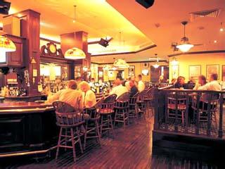 Jumeirah Rotana Hotel: Bar