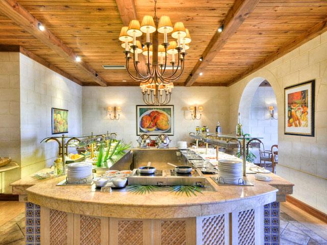 Kempinski San Lawrenz Resort & Spa: Buffet