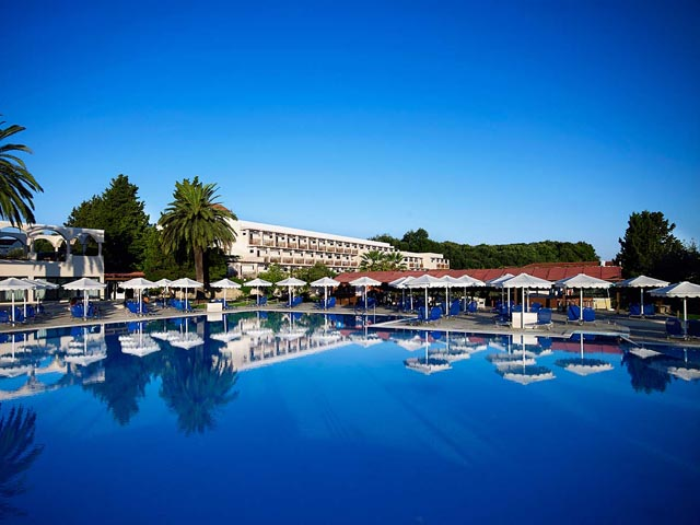 Roda Beach Resort and SPA: