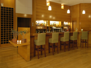 Limneon Resort and SPA - Bar View