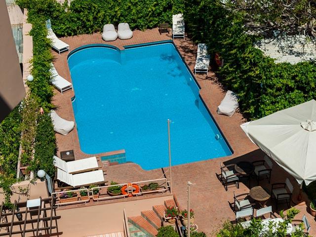 Akali Hotel: