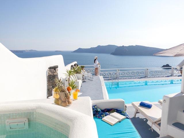 La Perla Villas Luxury Hotels Resorts In Oia Santorini