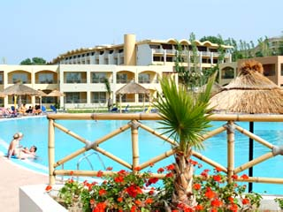 Kipriotis Maris Hotel - Swimming Pool