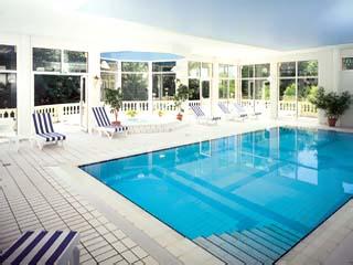 Le Chateau de l'Ile: Indoor Swimming Pool