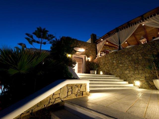 Apollonia Hotel & Resort: