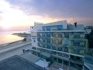 Tropical Hotel - Exterior View