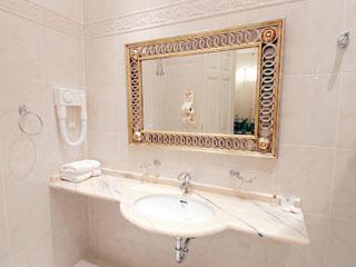 Byzantino Hotel Patra - Bathroom
