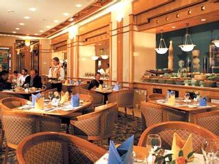 Al Ain Rotana Hotel: Restaurant
