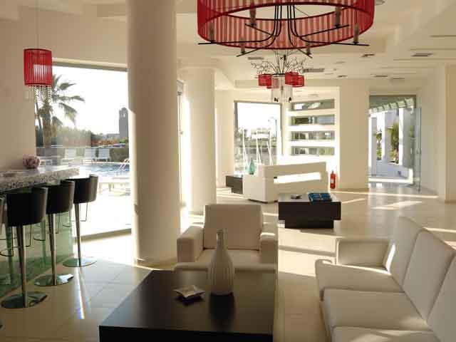 Angela Suites Boutique Hotel: