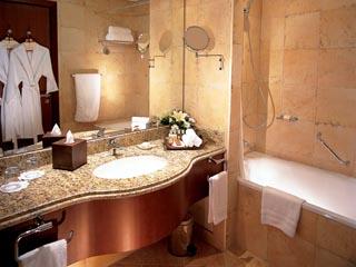 Danat Resort Jebel Dhanna: Bathroom