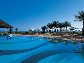 Danat Resort Jebel Dhanna: Swimming Pool