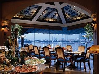 Sheraton Dubai Creek Hotel & Towers: Vivaldi Restaurant