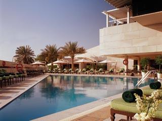 Sheraton Dubai Creek Hotel & Towers: Swimming Pool