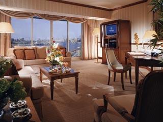 Sheraton Dubai Creek Hotel & Towers: Executive Suite
