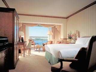 Sheraton Dubai Creek Hotel & Towers: Creek view Room