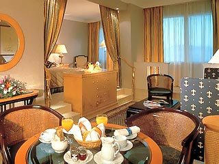 Sheraton Deira Hotel & Towers: Guest Room