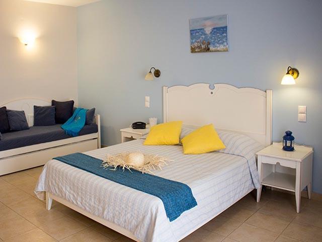 Astra Village Hotel & Suites: